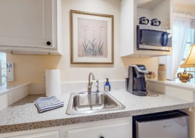 Refugio Sink | Brewster By the Sea Cape Cod B&B | Brewster, MA